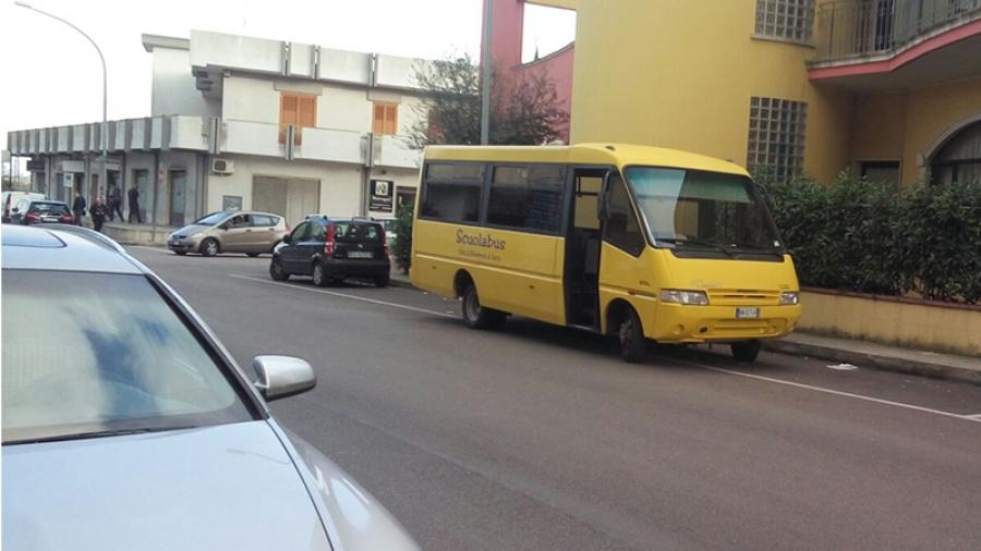 Bimbo anni si addormenta sullo scuolabus: dimenticato per sette ore